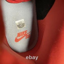 Nike SB Dunk Mid Un-Supreme Stealth/ Black- Dragon Red (314383-015) size 12