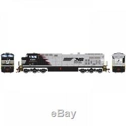 Roundhouse HO AC4400CW NS/Black/Red Mane #4003 RND77704