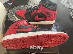 Air Jordan 1 MID Banned Black/red Size 13 Authentique