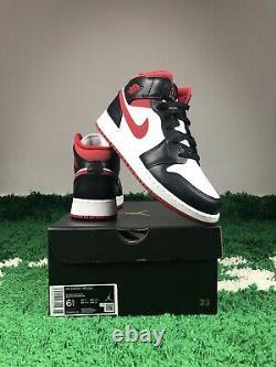 Air Jordan 1 MID Gs Black Gym Taille Rouge 6.5y Taille Femme 8 Nouveau Dj4695-122