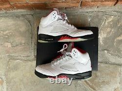 Jordan 5 V Retro Fire Rouge Blanc Noir Métallique Og Taille 9.5 Da1911-102 Nike Air