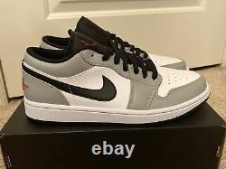 Nike Air Jordan 1 Low Light Smoke Gris Noir Rouge Blanc 553558-030 Taille 10 Nouveau