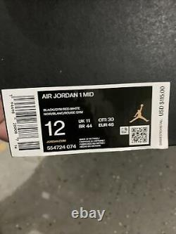 Nike Air Jordan 1 Retro MID Banned 2020 Noir Rouge Bred 554724-074 Hommes Taille 12