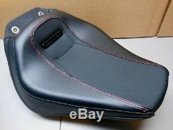 Oem Harley 2018-2020 Breakout Fxbr / Solo De Stock Rider Black Seat Red Stitching
