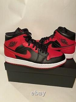 Taille 10 Nike Air Jordan 1 MID Banned Bred 554724-074 Retro Og Black Red Mens